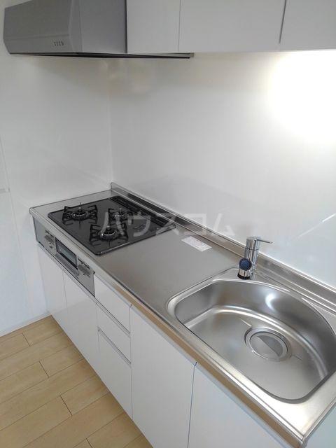 プチフォンティーヌ磯子 02020号室のキッチン