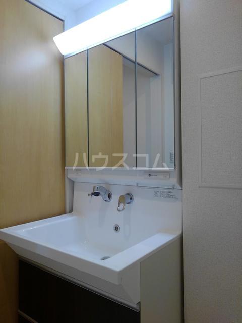 プチフォンティーヌ磯子 02020号室の洗面所