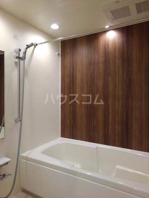 プチフォンティーヌ磯子 03020号室の風呂