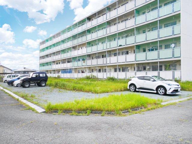 ビレッジハウス菊川2号棟 408号室の駐車場