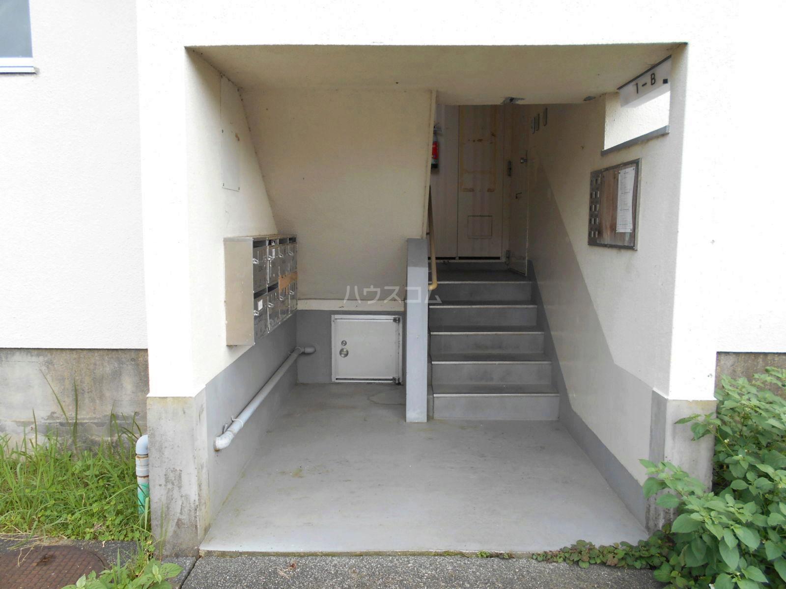 ビレッジハウス菊川2号棟 408号室のエントランス