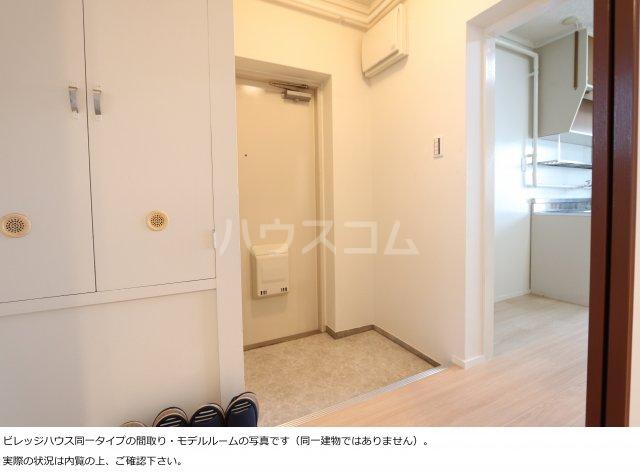 ビレッジハウス菊川2号棟 408号室の玄関