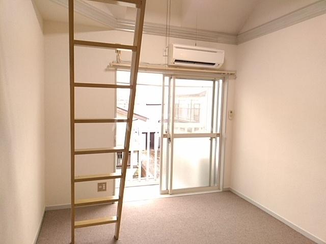 イースタンパレス桜ヶ丘 204号室のベッドルーム