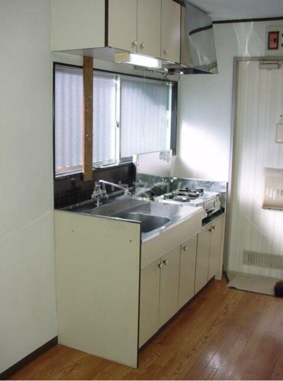 ミッキーハイツ 201号室のキッチン