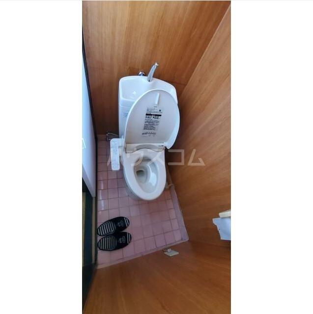日野南貸家のトイレ