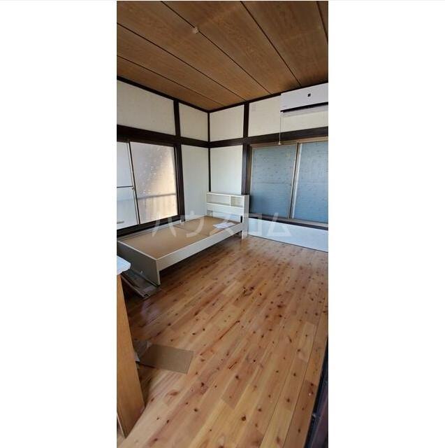 日野南貸家のベッドルーム