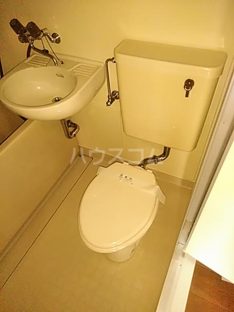 シルバーコーポ南林間 403号室のトイレ