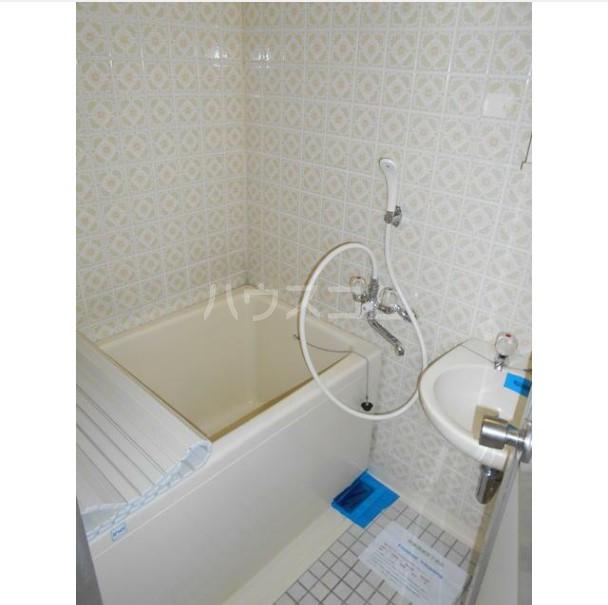マコト第二ビル 203号室の風呂