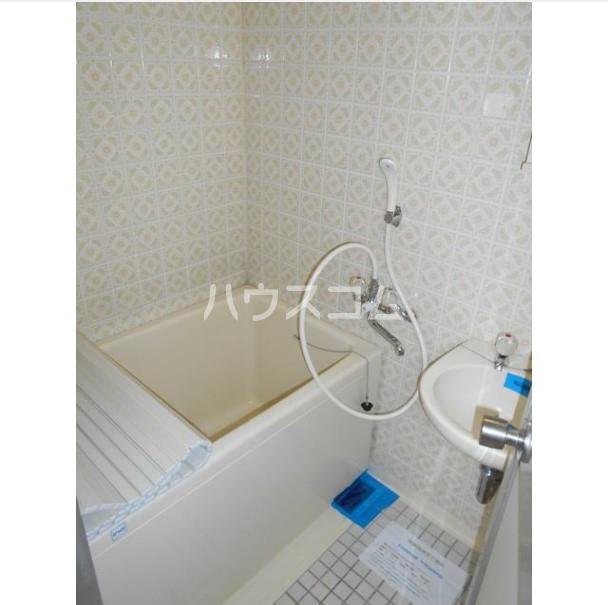 マコト第二ビル 203号室の洗面所