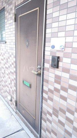 セントレ港南 206号室の玄関