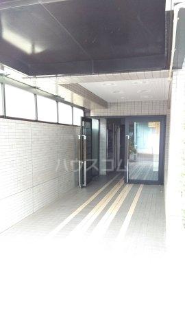 コスモ横浜蒔田 202号室のエントランス
