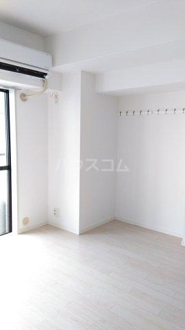 コスモ横浜蒔田 202号室のリビング