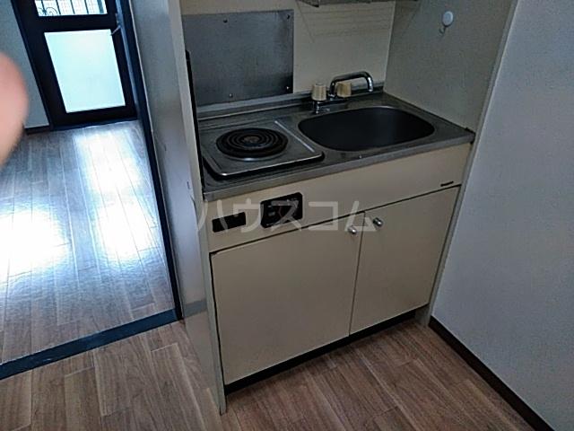 マリオン伊勢佐木北 803号室のキッチン