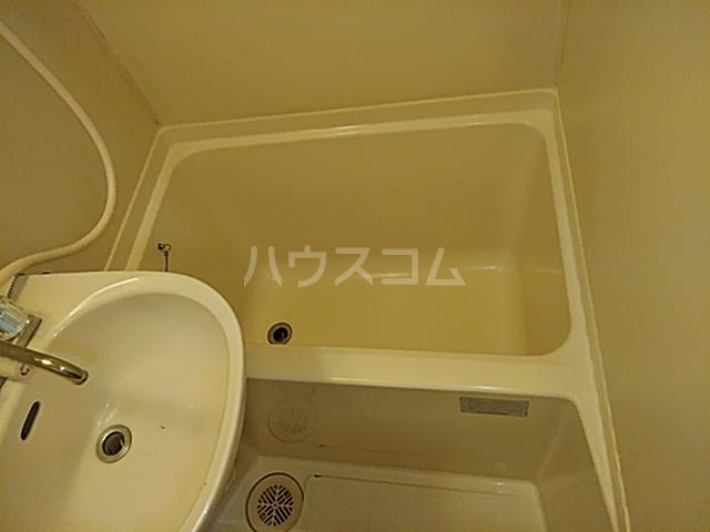 マリオン伊勢佐木北 803号室の風呂