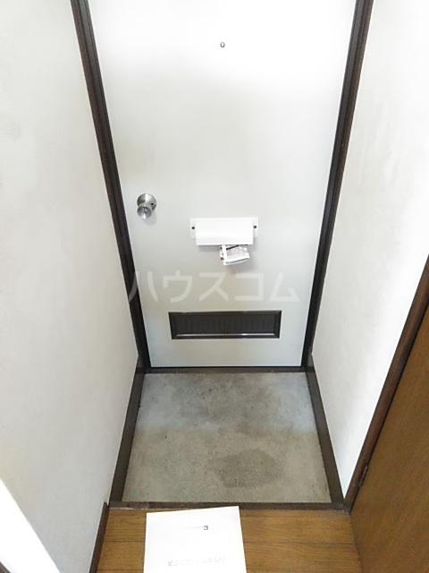 アドウィン 203号室の玄関