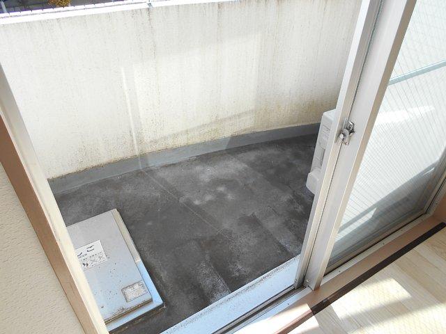 千代田マンション中村 303号室のバルコニー