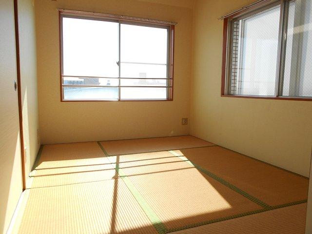 千代田マンション中村 303号室の居室