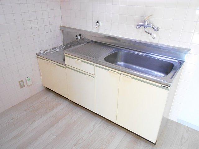 千代田マンション中村 303号室のキッチン