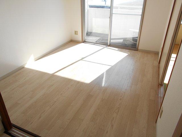 千代田マンション中村 303号室のベッドルーム