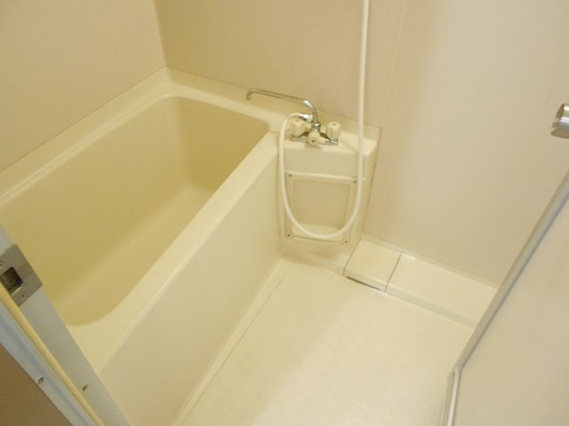 千代田マンション中村 303号室の風呂