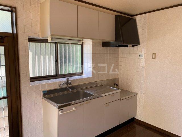 萩のテラスハウスのキッチン