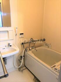 ファミールハイム 201号室の洗面所