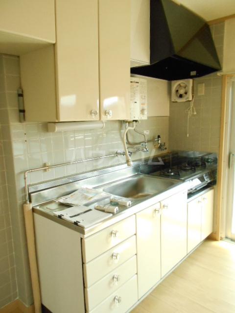 鶴川6丁目団地8-3号棟 B404号室のキッチン