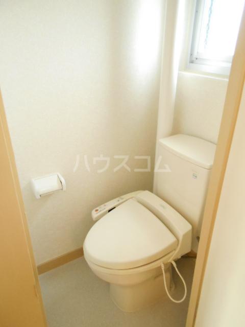 鶴川6丁目団地8-3号棟 B404号室のトイレ