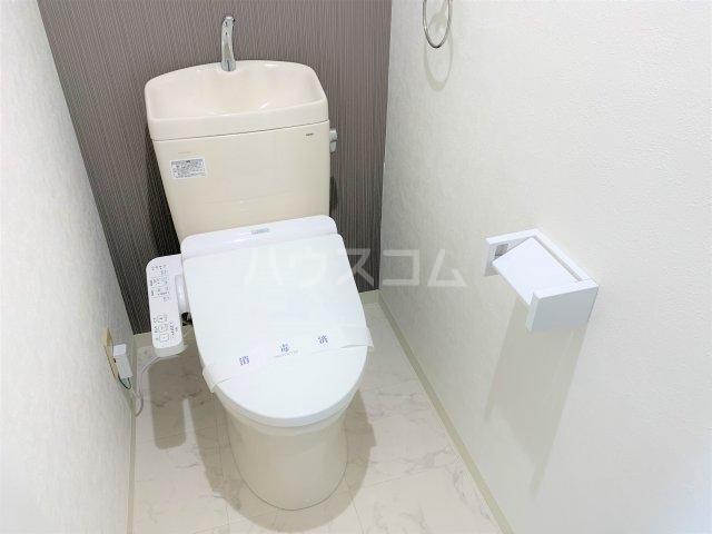 YMDⅢマンション 406号室のトイレ