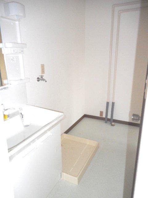 メゾン大塚A 201号室の洗面所
