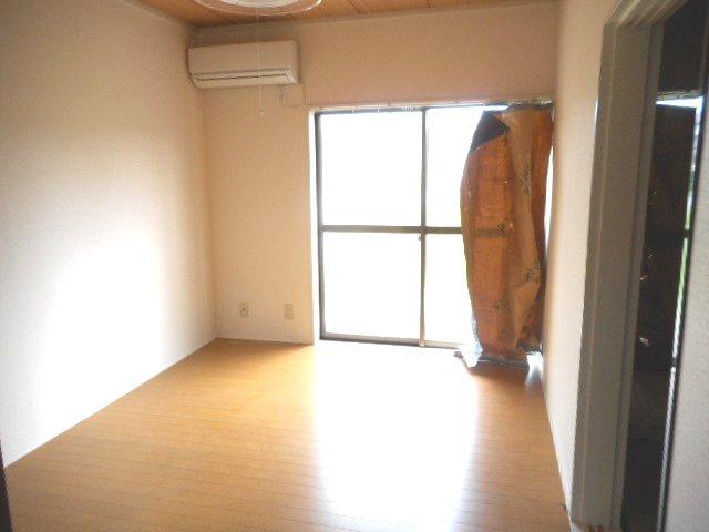 メゾン大塚A 201号室のバルコニー