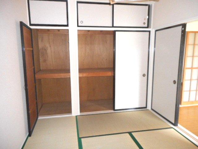 メゾン大塚A 201号室の収納