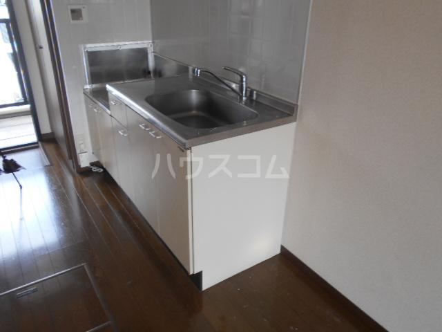ベルグラン吉田C 2-D号室のキッチン