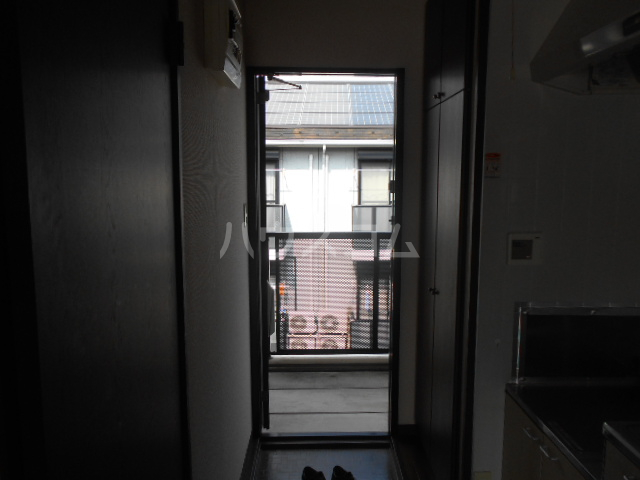 ベルグラン吉田C 2-D号室の玄関