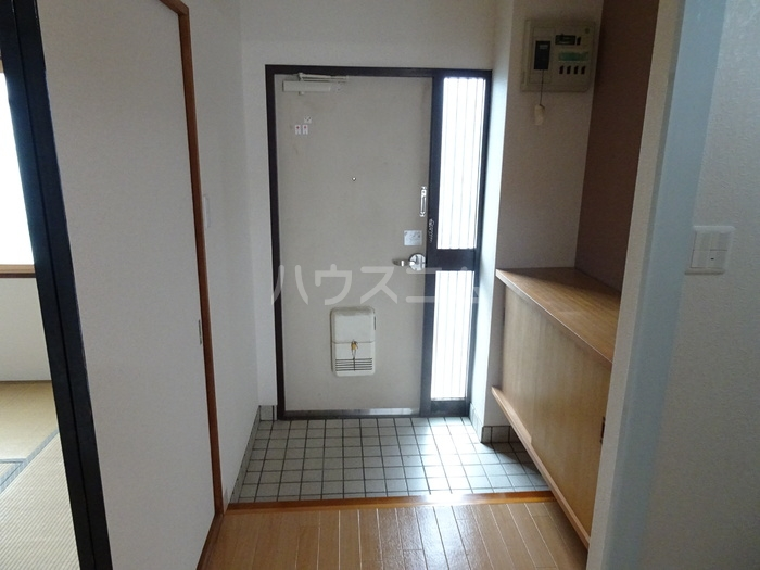 レジデンスときわ 106号室の玄関