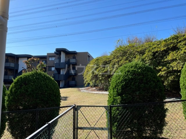 サンヒルズ東戸塚 A103号室の景色