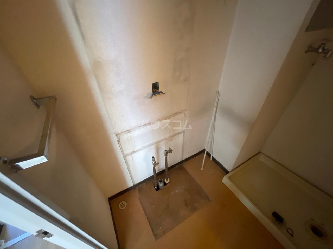 サンヒルズ東戸塚 A103号室の洗面所