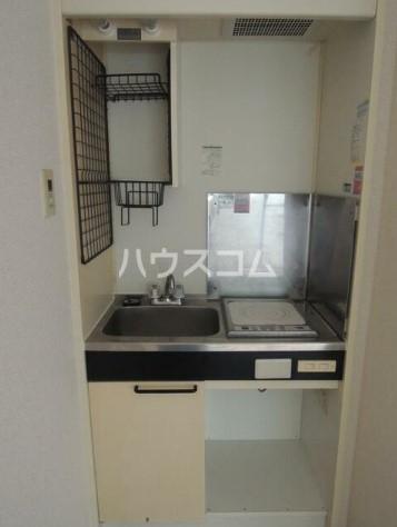 スカイコート横浜弘明寺 203号室のキッチン