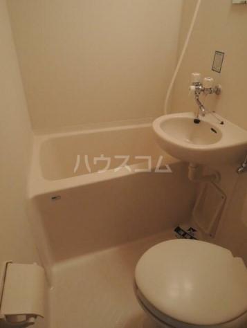 スカイコート横浜弘明寺 203号室の風呂