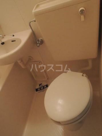スカイコート横浜弘明寺 203号室のトイレ