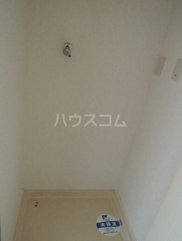 スカイコート横浜弘明寺 203号室の洗面所