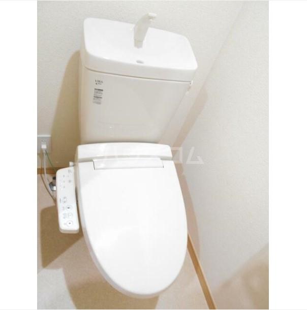 ワイズ横浜上大岡 101号室のトイレ