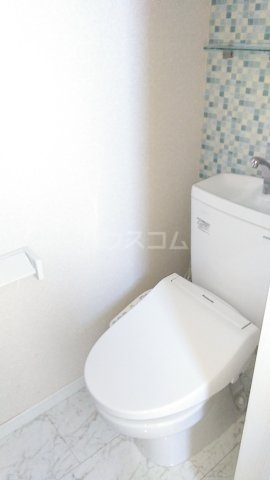 ユナイト港南オトゥール 101号室のトイレ