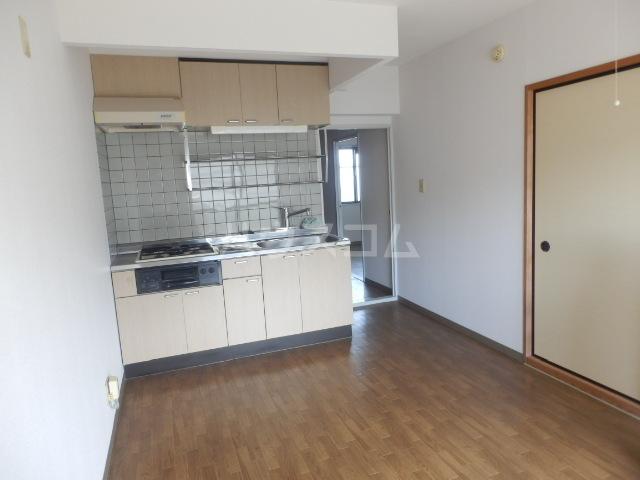 ユーマンション 2B号室のリビング
