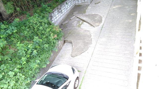 ベラ栗平 202号室の駐車場