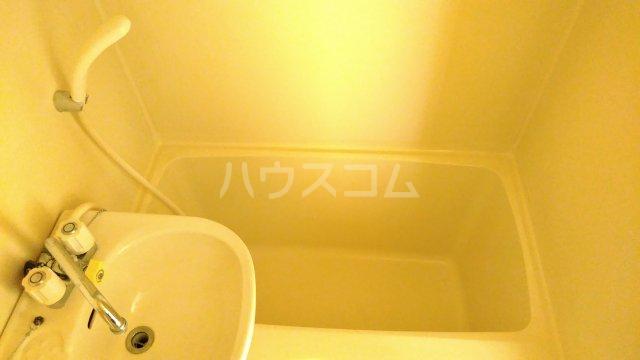 ベラ栗平 202号室の風呂