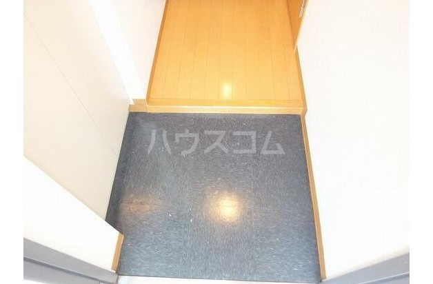 ル・グロワール 302号室の玄関