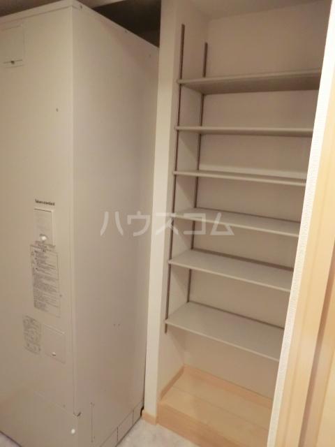 ルミエール 02050号室の収納