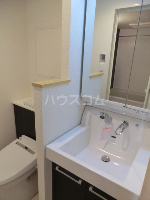 ルミエール 02050号室の洗面所