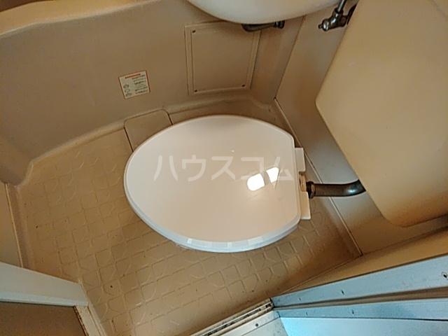 ツインコート 205号室のトイレ